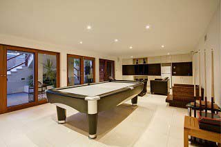 Experienced pool table installers in Palmdale